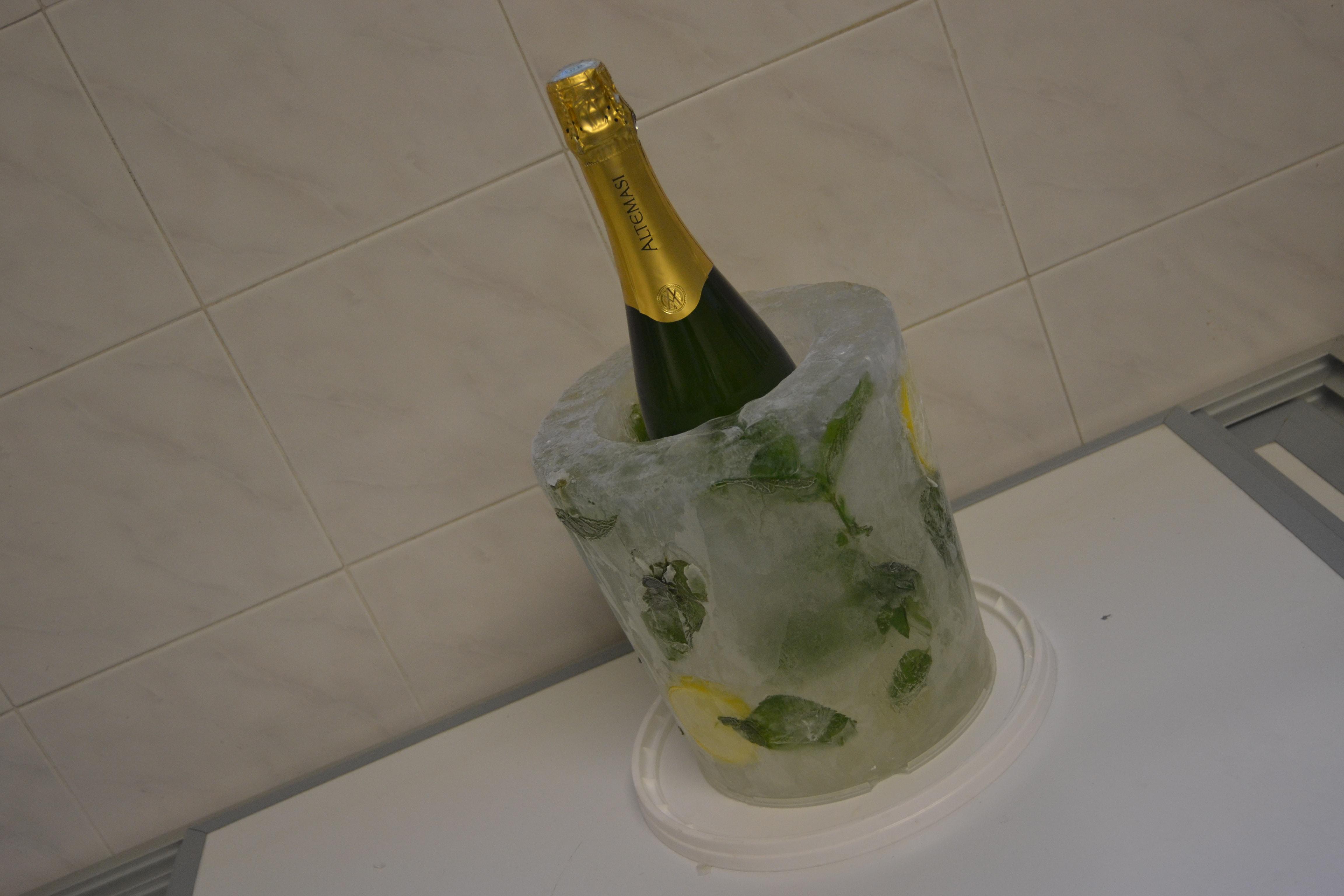 secchiello-di-ghiaccio-portabottiglia.jpg