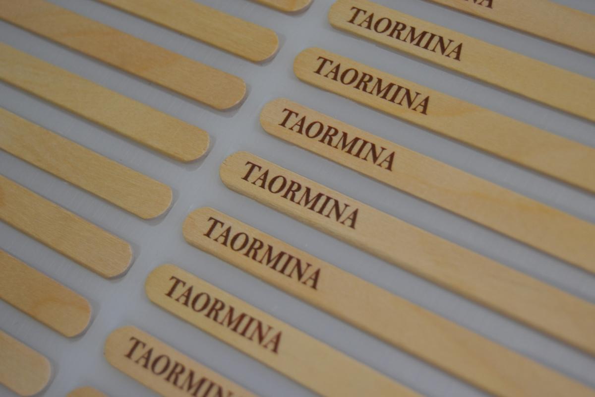 stecchi-personalizzati-taormina-marrone.jpg